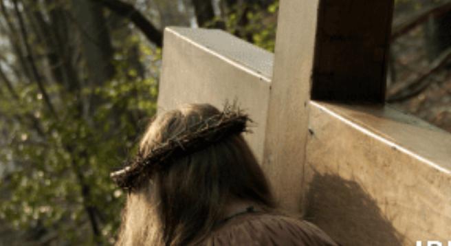 """""""Viviendo la Pasión de Jesús en tiemposdifíciles"""""""
